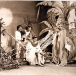 Jenni Tamburi, Leo Gullotta, Pino Ammendola, Daniele Aldrovandi in una scena della trasmissione di Luciano Capponi Polvere di Pitone, RaiTre 1983