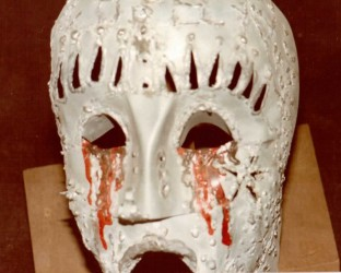 Maschere utilizzate durante uno degli spettacoli realizzati da Luciano Capponi con la collaborazione di Hal Yamanouchi con la compagnia La Cagomiotica