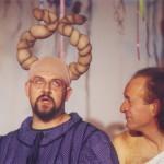 Antonio Arcari e Daniele Aldrovandi in una scena dello spettacolo Ulì e Pené di Luciano Capponi